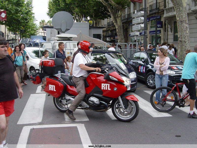 la moto rouge de rtl photo n 1110 album tour de france 2009. Black Bedroom Furniture Sets. Home Design Ideas